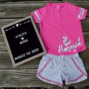 """""""Be Amazed"""" Activewear Outfit   Top M   Shorts S"""